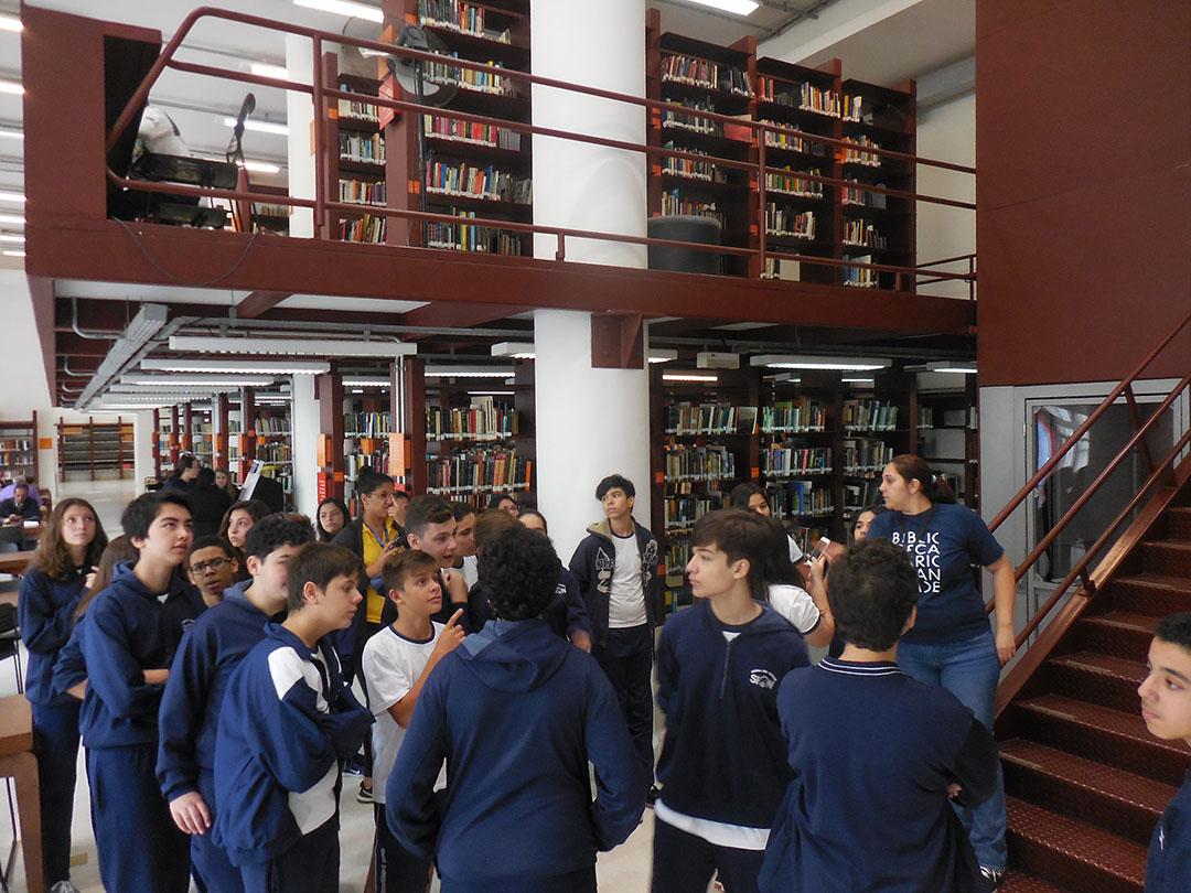 Escola São Teodoro de Nossa Senhora de Sion – Projeto um dia na biblioteca